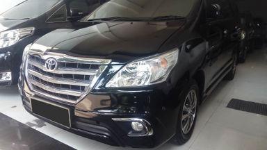 2015 Toyota Kijang Innova V - Mobil Pilihan