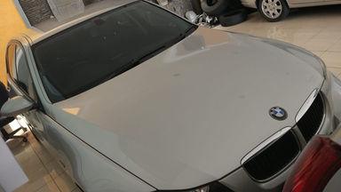 2009 BMW 3 Series 320i AT - Kondisi Ciamik