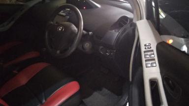 2008 Toyota Yaris 1.5 - Good Condition (s-4)