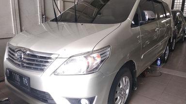 2012 Toyota Kijang Innova G - mulus terawat, kondisi OK