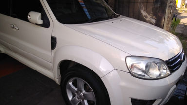 2010 Ford Escape XLT - Terawat (s-0)