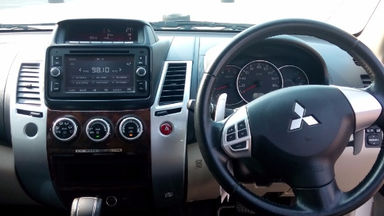 2015 Mitsubishi Pajero Sport Dakar - Mulus lanngsung pakai (s-5)
