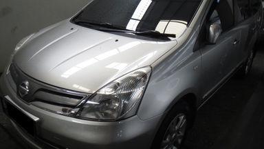 2011 Nissan Livina xv - Barang Cakep