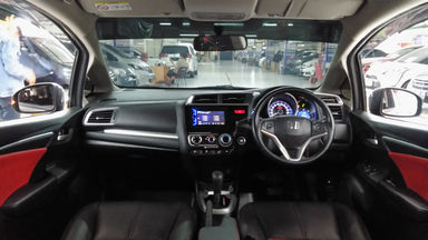 2015 Honda Jazz RS - 2015 Honda Jazz RS CVT (s-7)