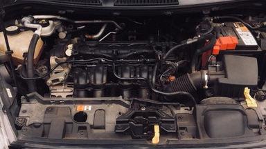2015 Ford Fiesta Trendy 1.5 - siap nego milik sendiri good condition (s-3)