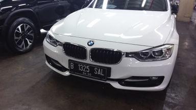 2014 BMW 3 Series 320i - istimewa