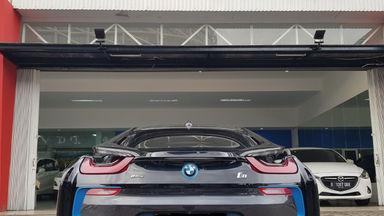 2015 BMW i i8 HYBRID - Kondisi Istimewa (s-8)