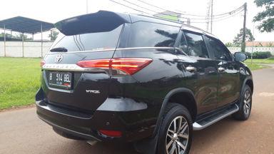 2016 Toyota Fortuner VRZ 4x2 - Istimewa siap pakai (s-2)