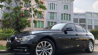 2016 BMW 3 Series 320i sport - Istimewa