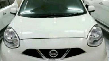 2015 Nissan March 1200 - Mobil Murah Berkualitas (s-0)