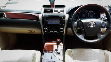 2013 Toyota Camry V 2.5 - Mobil Pilihan (s-4)