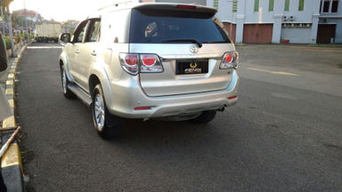 2013 Toyota Fortuner V - Kondisi Bagus Siap Pakai (s-8)