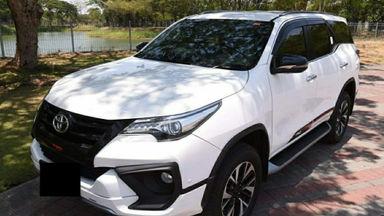 2017 Toyota Fortuner VRZ TRD - Body Mulus