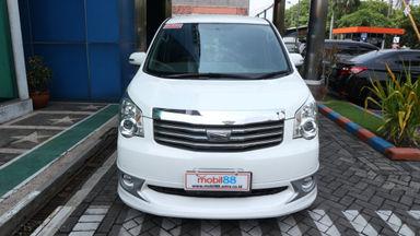 2013 Toyota Nav1 V lux - Murah Dapat Mobil Mewah (s-1)