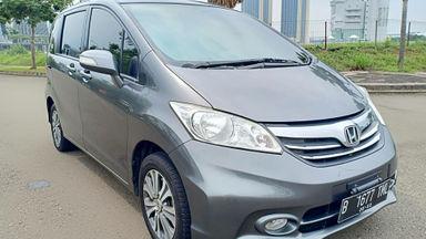 2013 Honda Freed PSD - Kondisi super mulus, siap pakai. (s-4)
