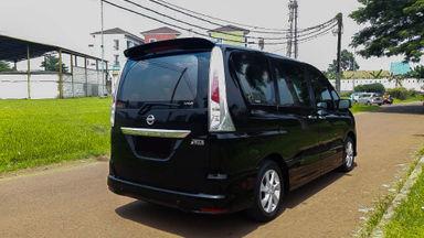 2014 Nissan Serena HWS - Mobil Pilihan (s-2)