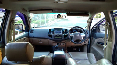2013 Toyota Fortuner V - Kondisi Bagus Siap Pakai (s-4)