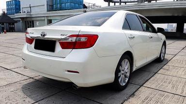 2013 Toyota Camry V 2.5 - Mobil Pilihan (s-2)