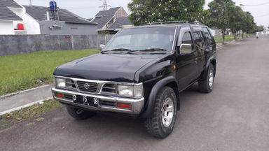 2001 Nissan Terrano Spirit - Favorit Dan Istimewa
