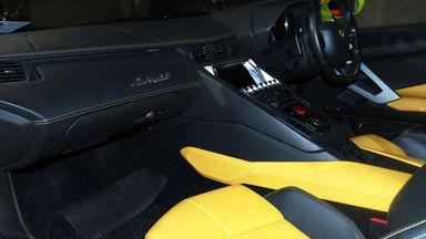 2013 Lamborghini Aventador LP 700-4 - PERFECT CONDITION (s-10)