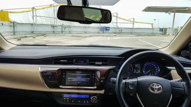 2014 Toyota Corolla Altis 1.8 V - Mobil Pilihan (s-6)