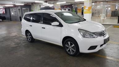 2017 Nissan Grand Livina SV M/T - Nego Halus Like New Tdp Rendah (s-2)