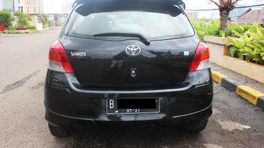 2011 Toyota Yaris E MT - KM 23 ribu asli gan (s-4)