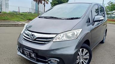 2013 Honda Freed PSD - Kondisi super mulus, siap pakai. (s-11)
