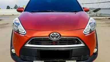 2016 Toyota Sienta V - Mobil Pilihan (s-1)