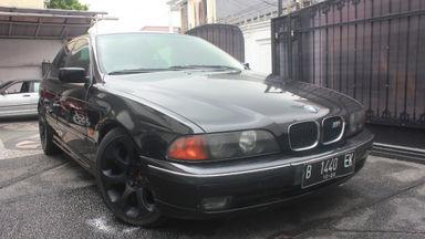 2000 BMW 5 Series 528i - terawat siap luar kota dan untuk dipakai minim PR