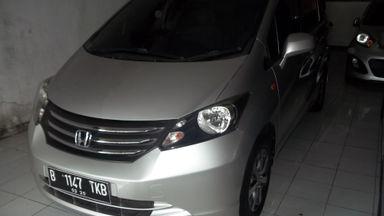 2010 Honda Freed PSD - Harga Istimewa dan Siap Pakai