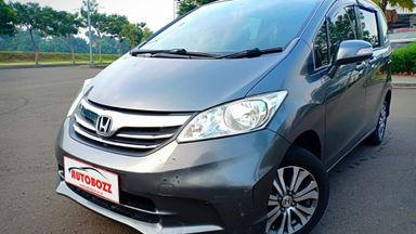 2012 Honda Freed E. - Kondisi Istimewa