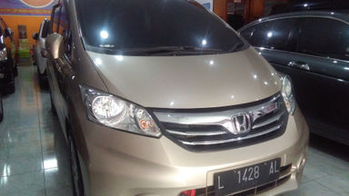 2013 Honda Freed E - Like New