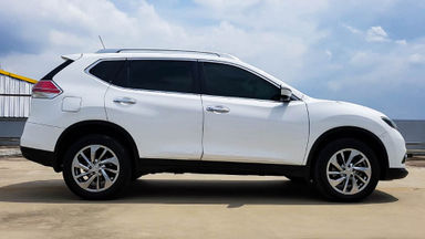 2014 Nissan X-Trail 2.5 AT - Mobil Pilihan (s-1)