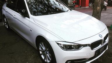 2016 BMW 3 Series 320I - Nego Halus