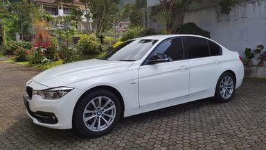 2016 BMW 3 Series 320i - Tangan pertama dari baru