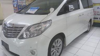 2011 Toyota Alphard S - Super istimewa.