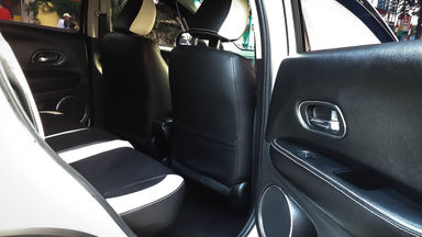 2016 Honda HR-V E CVT - Mobil Pilihan (s-4)