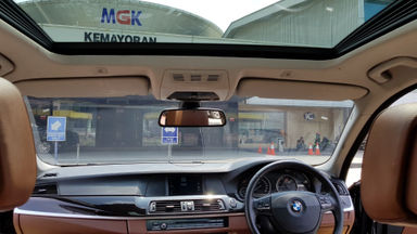 2012 BMW 5 Series 520i - Lowkm terawat termurah (s-8)