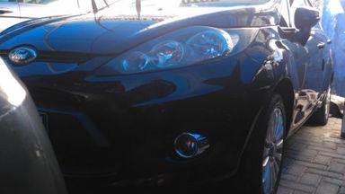 Ford Fiesta M T Menerima Cicilan S
