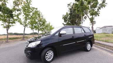 2014 Toyota Kijang Innova E - Istimewa dan Harga Bagus