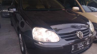 2005 Volkswagen Golf AT - Kondisi mulus tinggal pakai (s-3)