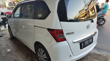 2013 Honda Freed SD - Matic Putih | Cash & Kredit | Garansi Mesin (s-6)