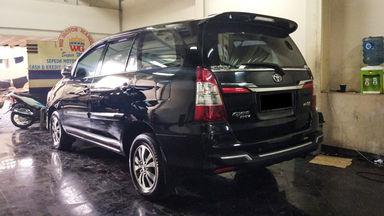 2014 Toyota Kijang Innova V - Mobil Pilihan (s-2)
