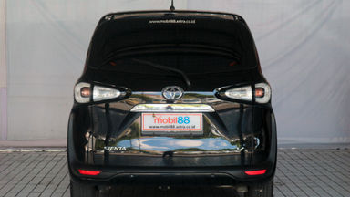 2016 Toyota Sienta V - Favorit Dan Istimewa (s-1)
