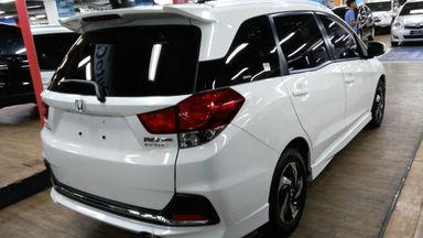 2015 Honda Mobilio rs - Putih mulus langsung gas (s-5)