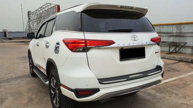 2018 Toyota Fortuner TRD Sportivo Diesel  AT - Mobil Pilihan (s-2)