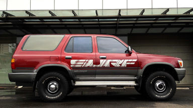 1993 Toyota Hilux Surf AT 4X4 - colector item (s-9)