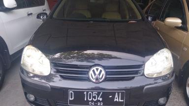 2005 Volkswagen Golf AT - Kondisi mulus tinggal pakai (s-1)