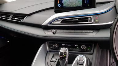 2015 BMW i i8 HYBRID - Kondisi Istimewa (s-14)
